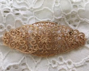 BROCHE / ALFILER COLOR ORO
